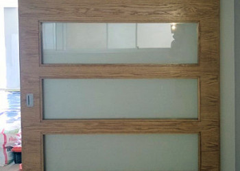Oak sliding door glazed